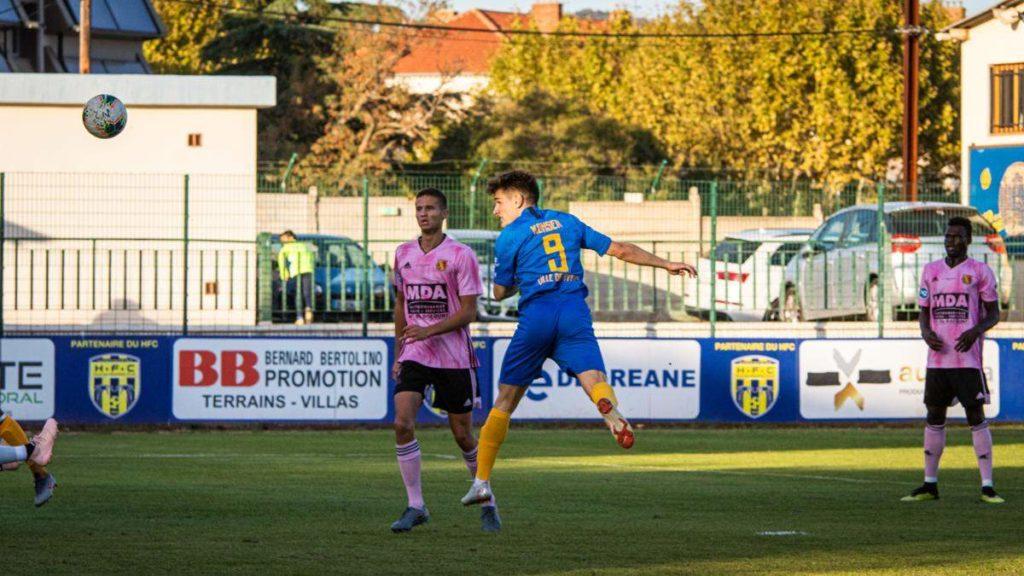 Dynamiser l'attaque, un enjeu de taille pour le jeune n°9 du club, Pierre Kohser. (créd. JRG).