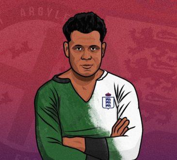Jack Leslie avec le maillot de son club de Plymouth et de la sélection nationale anglaise
